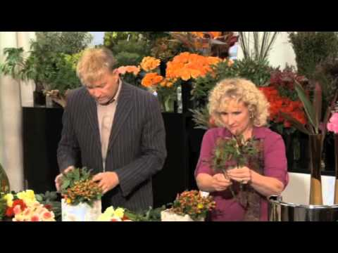 Flower arranging in 3 mins or less with expert Rene van Rems