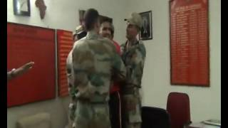 Foji bhaiyo pr unke officers ka julm ,maarte hai aur paise ,cards sb chhin lete h kya aap sehmat h .