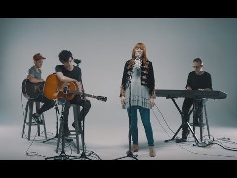 Kim Walker-Smith - Throne Room (Acoustic)