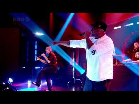 Eminem - We Made You (Live Friday Night) [2009]