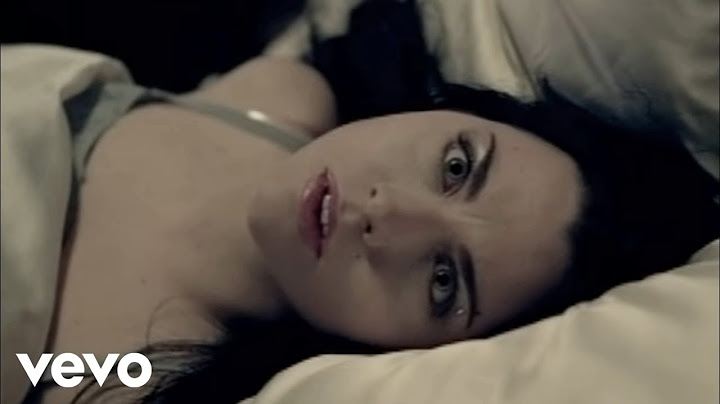evanescence  bring me to life official music video