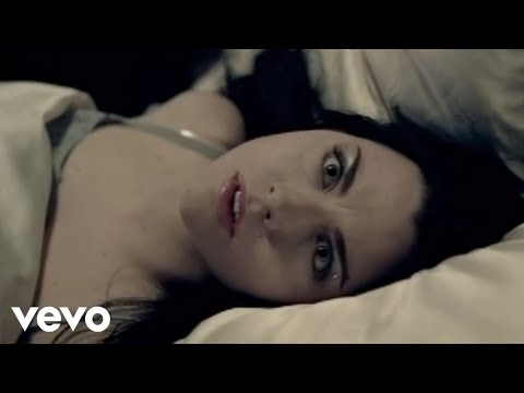Evanescence - Bring Me To Life (Official Music Video)