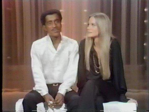 Sammy Davis Jr. hosts Hollywood Palace 3-15-69 (4 of 6)