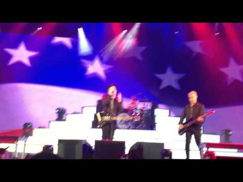 Fourth of July - Fall Out Boy (first time live) // 7-4-15