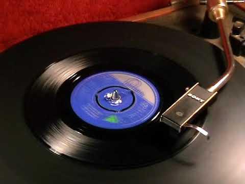 Wayne Fontana & The Mindbenders - She Needs Love - 1965 45rpm