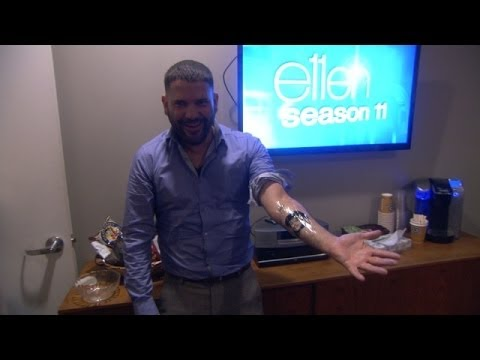 Guillermo Díaz Gets a Tattoo
