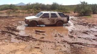 Isuzu Rodeo Doin' the Mud