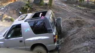 vauxhall frontera off roading in water