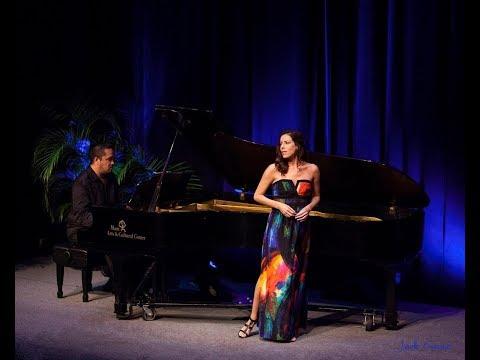Audrey Luna sings  Caro nome