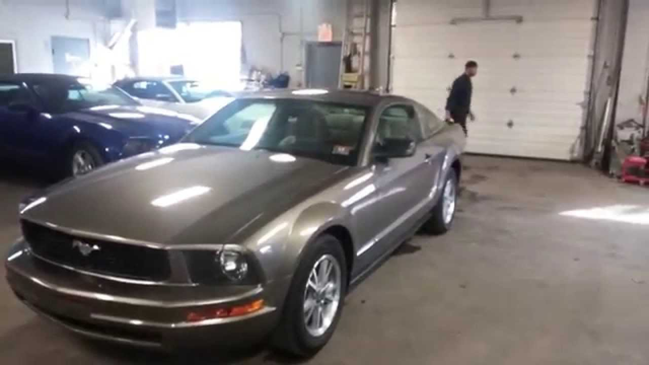 2005 ford mustang v6 deluxe package 65k
