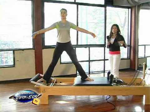 Ejercicio de aperturas en Pilates reformer - Prof. Nancy Sabo