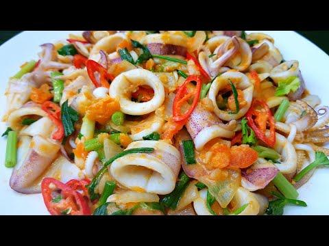 กับข้าวกับปลาโอ 634 : หมึกผัดไข่เค็มสูตรไม่ใส่น้ำพริกเผา หมึกสด กรอบมาก stir fried squid salted eggs