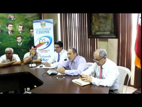Estudiante entrevista al Alcalde de Chone Dr. Deyton Alcívar