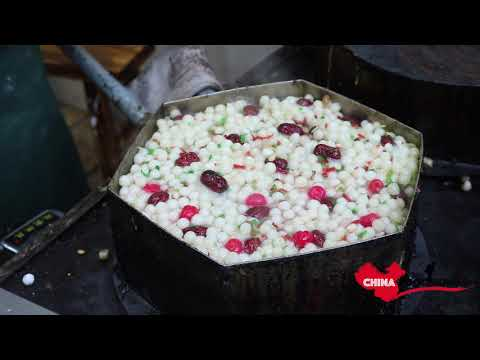 Amazing Chinese Street Food China-Foood Tour of Nanjing in LaoMendong,