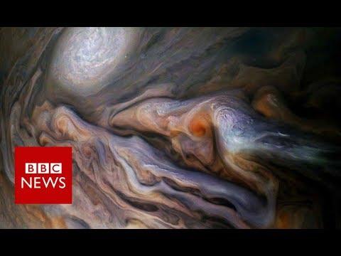 Dive over Jupiter's cloud-tops with Nasa's Juno craft - BBC News - BBC News