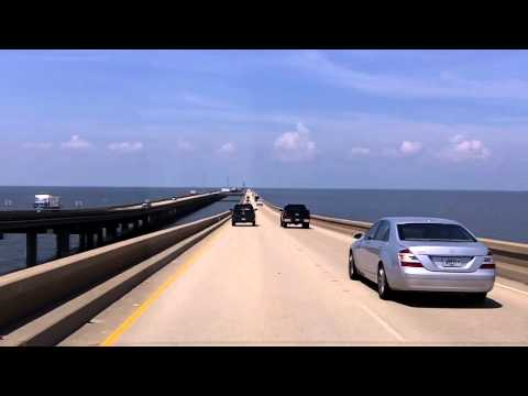 The World's Longest Overwater Bridge (the Lake Pontchartrain Causeway)