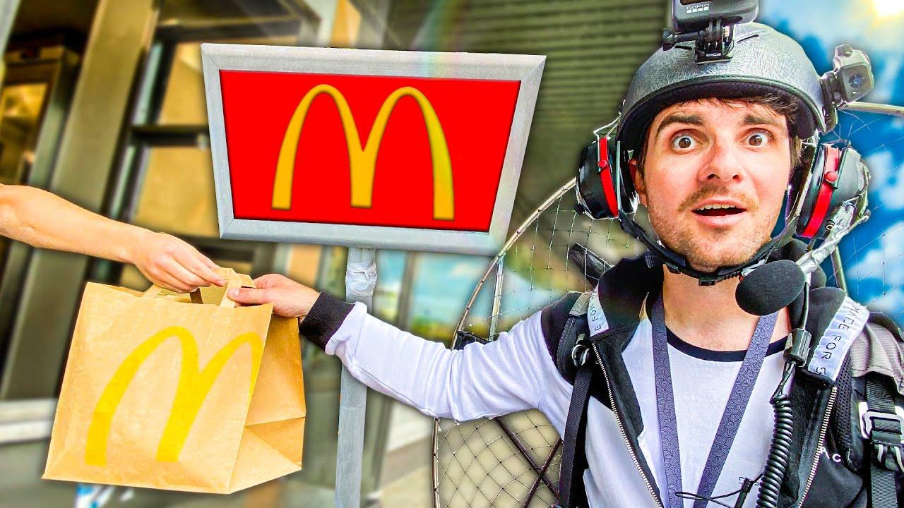Aller au McDrive en volant (et manger mon McDo en l'air)