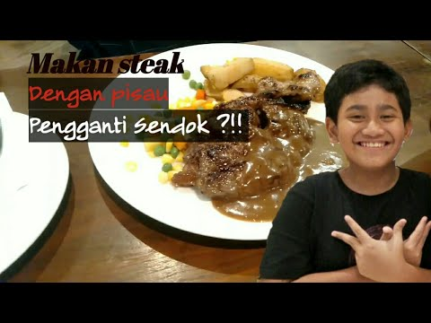 #vlog-1-ngeriih!!!-makan-steak-nyoyy-pakai-pisau-masuk-mulut-pengganti-sendok!!