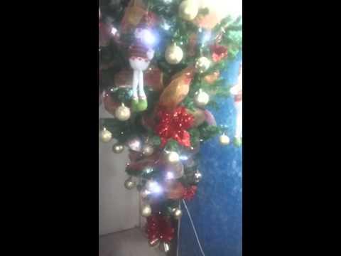 Arbol De Navidad Colgado Del Techo I