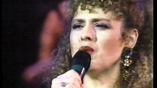 "Bernadette Peters Sings ""My Buddy"""