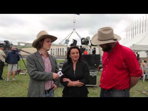 "Senator Jacqui Lambie talks to Betoota about going ""piggin"" with Pauline Hanson"