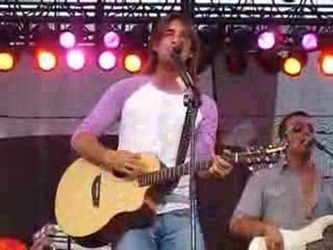 Jake Owen -  New Song Tell Me Live