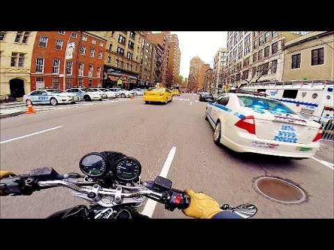 Ducati NYC vlog 36 - Manhattan! MAD Cops! Videogames talk. Police all day.