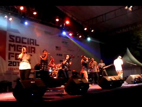EFA PROJECT - WE ARE ONE @socmefest2012
