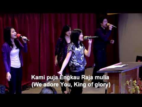 Kau Allah Yang Kudus, worship led by Gretchen Lee-Trisna