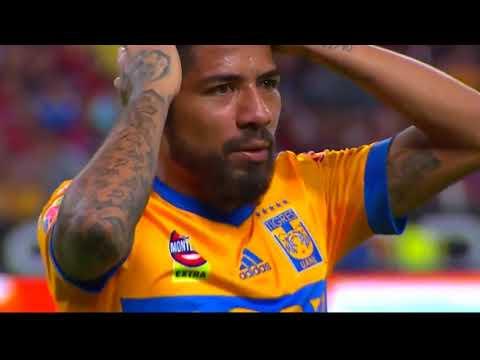 Horrible Knee Injury Of Oscar Ustari On Atlas Vs Tigres Liga Mx