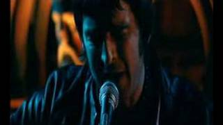 noel gallagher -sitting here... wonderwall (great quality)