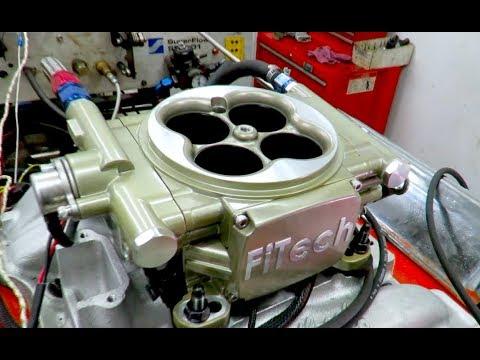 Carburetor vs E.F.I. - Dyno Room Showdown