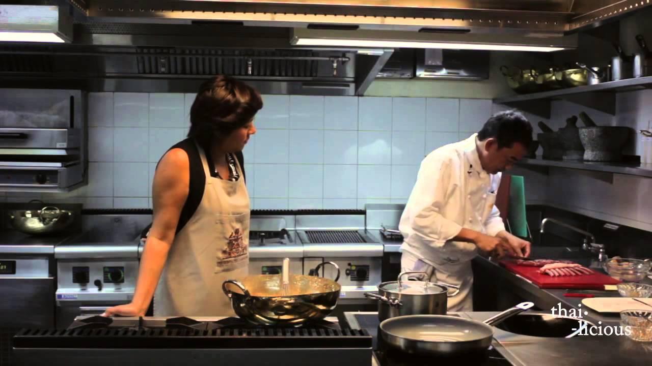 Thai-Licious Season 02: Massaman Curry with Lamb. - YouTube