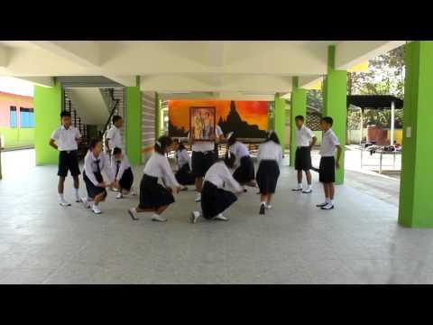 จินตลีลา โรงเรียนบ้านป่าเเดด(เวทยาสมิทธิ์)กลุ่ม1 ในเพลง เดินตามรอยเท้าพ่อ