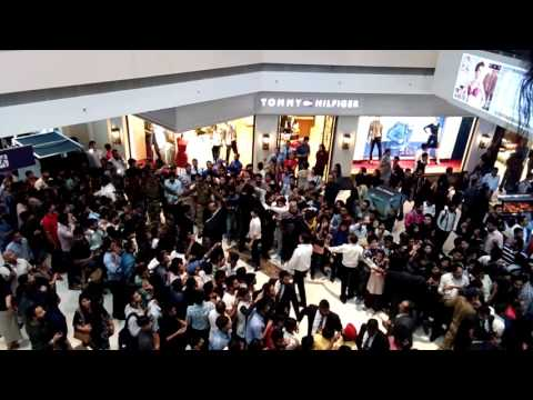 When hritik roshan came in noida mall of india