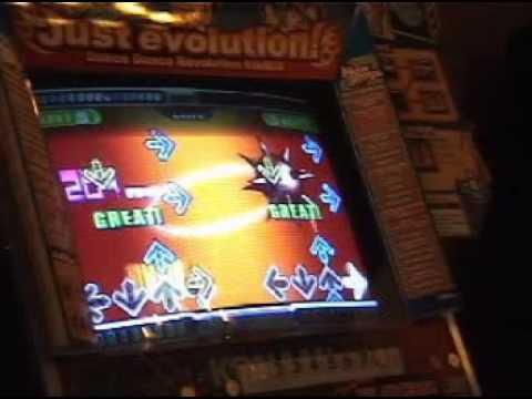 Pre-2002 DDR Dance Dance Revolution Archive : COREYMAX300A.MPG
