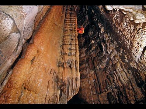 Cuevas y Simas en Conglomerado Nº 1. Sant Llorenç del Munt, l'Obac i Montserrat