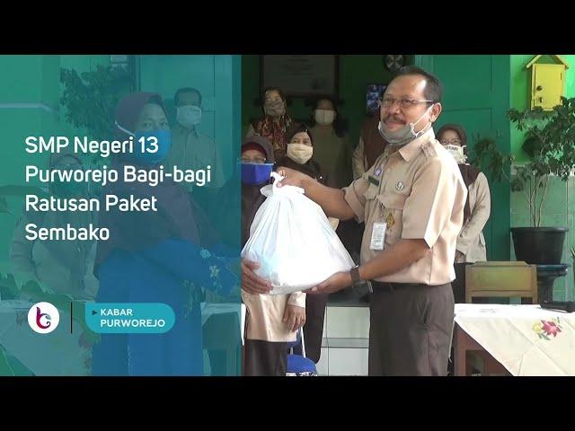 SMP Negeri 13 Purworejo Bagi bagi Ratusan Paket Sembako