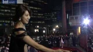 8th Korea Film Awards 2010 Actor,Actress Redcarpet Video(Won Bin,Park Shin Hye)