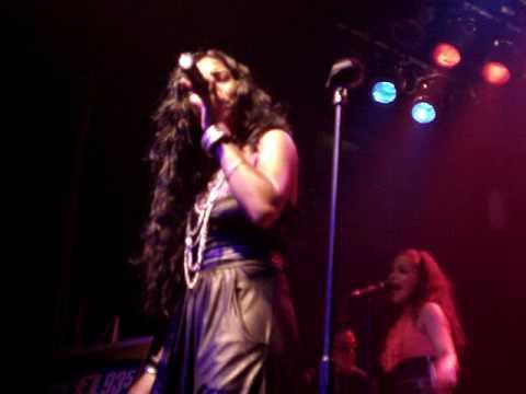 Melanie Fiona performs Sad Songs at MOD Club  Toronto