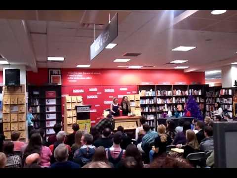 Amy Sedaris, Borders, Time Warner Bldg, NYC, 12/2/10