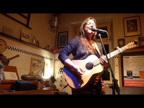 Prita Grealy - Whiskey heart | Live @ Cafe Gramsci