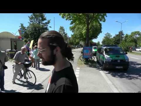 """""""Rassistenpack, Inzest, Nazis"""" - Linke stören Infostand der AfD gegen Merkel in München"""