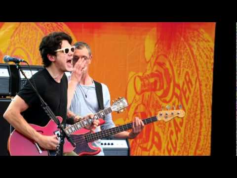 John Mayer  Aint No Sunshine    at the Crossroads Guitar Festival 2010