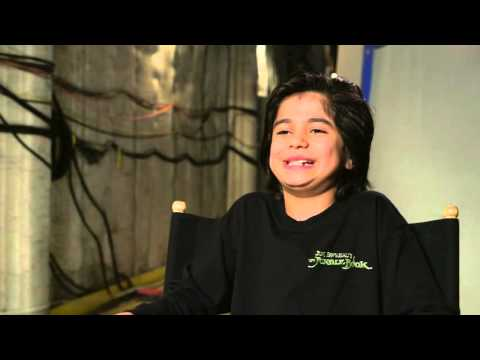 """The Jungle Book: Neel Sethi """"Mowgli"""" Behind the Scenes Movie Interview"""