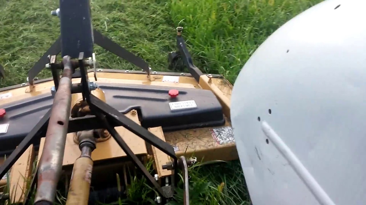 Mowing with the 8N and 6' King Kutter finish mower