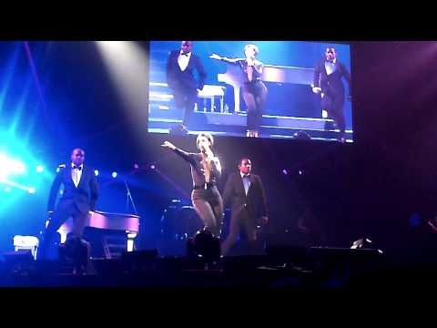 Alicia Keys - Listen to your heart - live in Newcastle May 2013