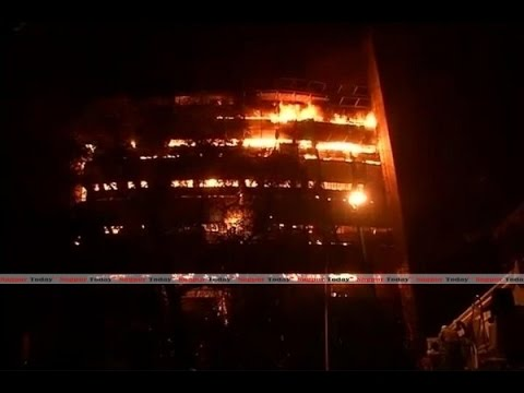 Massive fire destroys Delhi