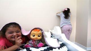 En Eğlenceli Saklambaç! Öykü and Masal Hide and Seek - play game fun kids video