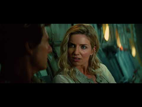 Annabelle Wallis & Tom Cruise in The Mummy 2017  first friendly discussion movie  35